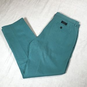Banana Republic Emerson Chino Mint Color